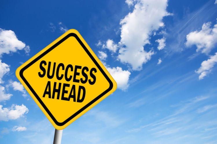 Ce-n-est-pas-le-succes-qui-fait-le-bonheur-c-est-le-bonheur-qui-fait-le-succes_width1024